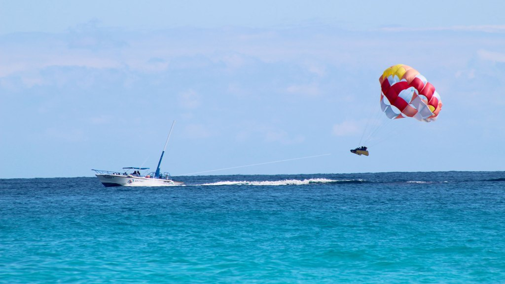 Parapente en Cancún | Parasailing in Cancun