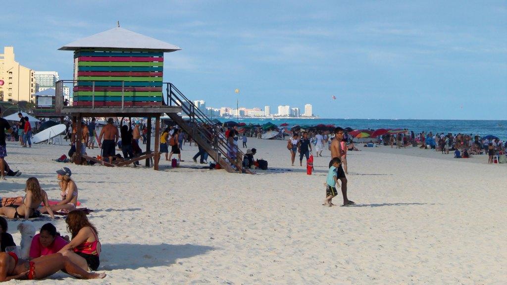 Playa Delfines, Cancún