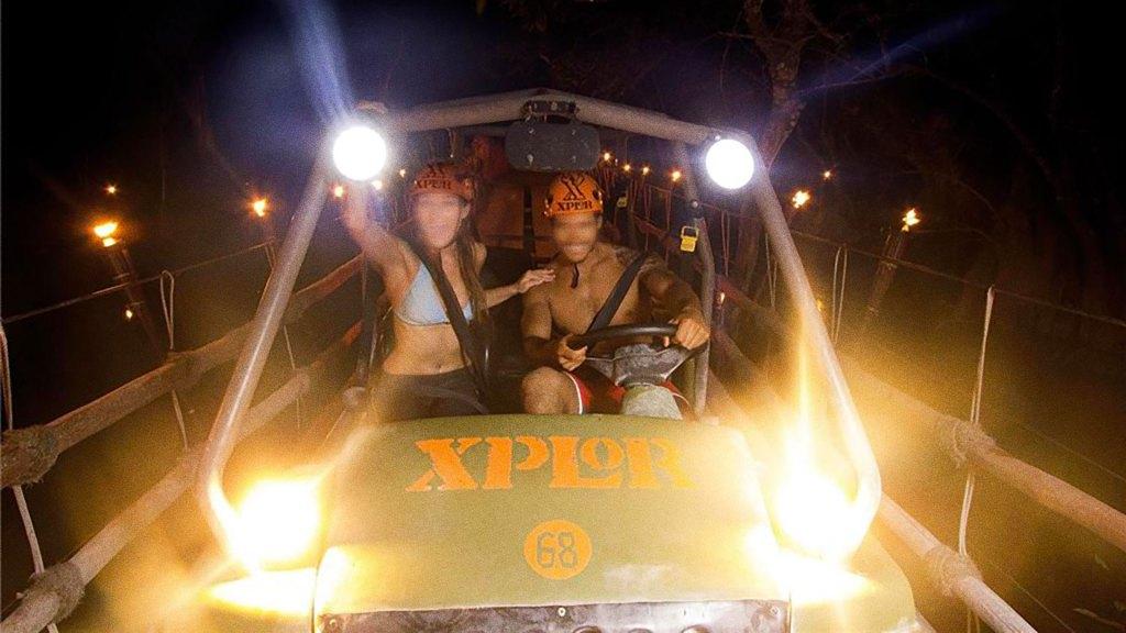 Vehículo Anfibio de noche