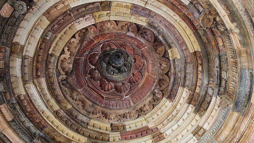 Techo de domo del Alai Darwaza | Alai Darwaza dome ceiling