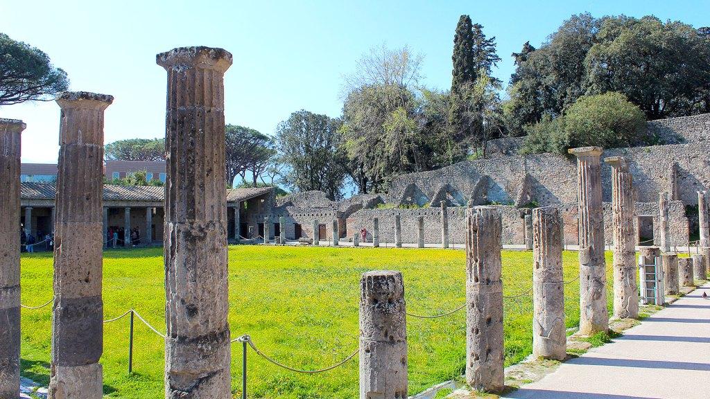 Exterior anfiteatro Pompeya | Pompeii Amphitheater exterior