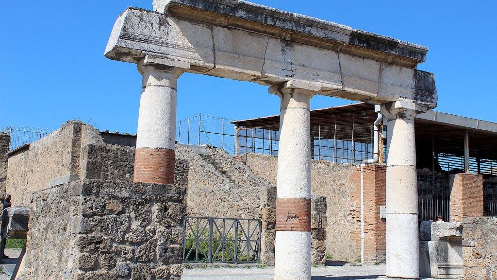 Columnas en Pompeya | Columns in Pompeii