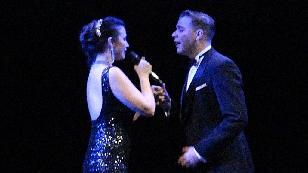 Los cantantes de tango Ache Rey y Ximena Jiménez