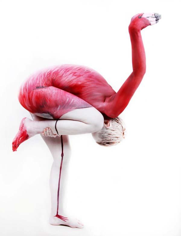 Human Flamingo. Bodypainting: Gesine Marwedel. www.gesine-marwedel.de. Foto: Thomas van de Wall Tel:+49 177 7177718. Mail: info@vandewall.co.uk