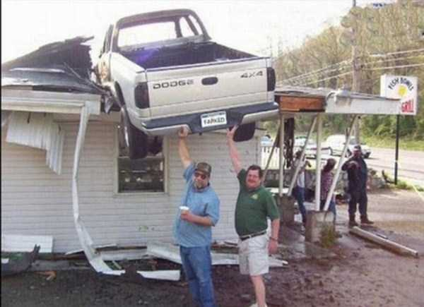 cars-in-bizarre-situations-35