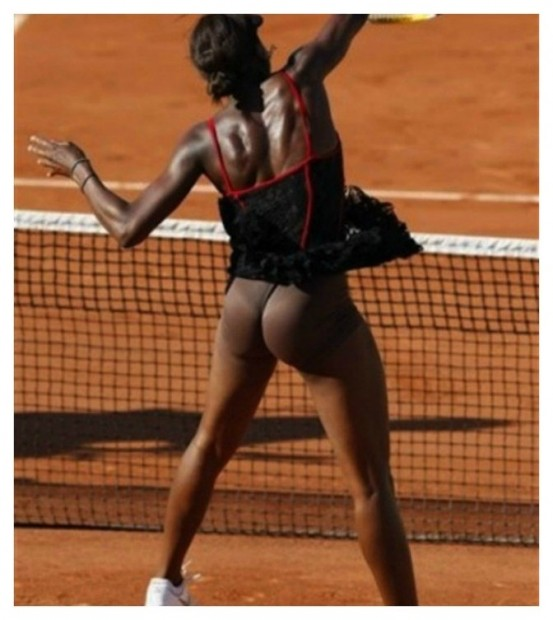 20-embarrassing-and-hilarious-sport-wardrobe-malfunctions-11