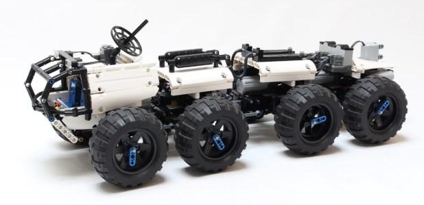 Crawler 8×8 Exploration Vehicle LEGO MOC