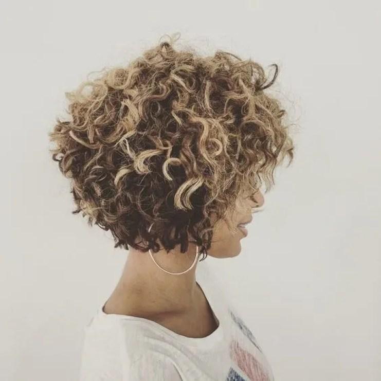 cabelo-cacheado-curto