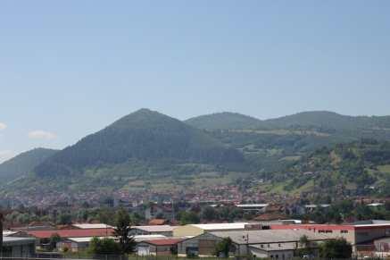 Photo de la pyramide du soleil en Bosnie Herzégovine à Visoko