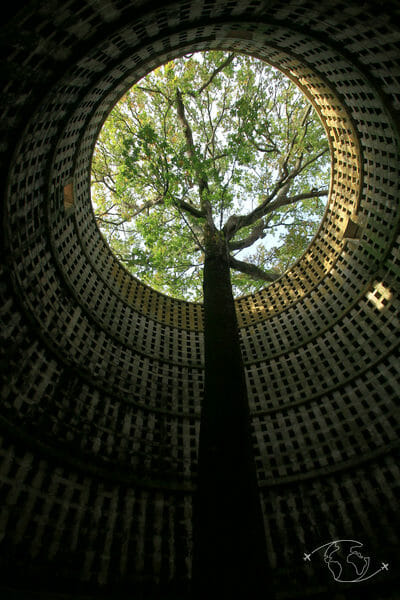 Randonner en Deux-Sèvres - Pigeonnier de Pouzay vu de l'intérieur