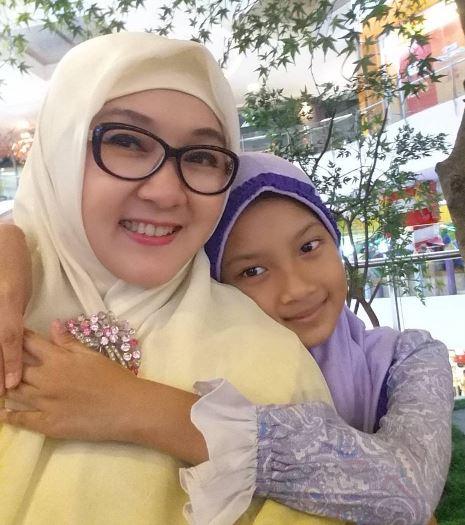 Upclose & Personal, Arisan Link, Blogger Perempuan