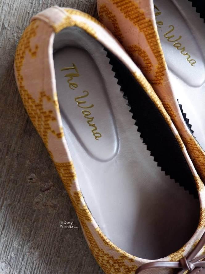Bagian Dalam Saburi Brown Flat Shoes