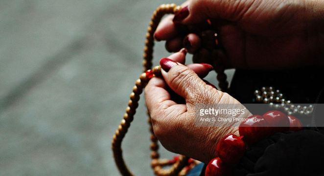 chinese-praying-beaas