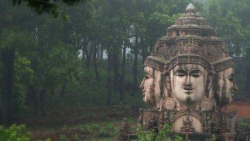 Sri-Yantra-Temple-Amarkantak