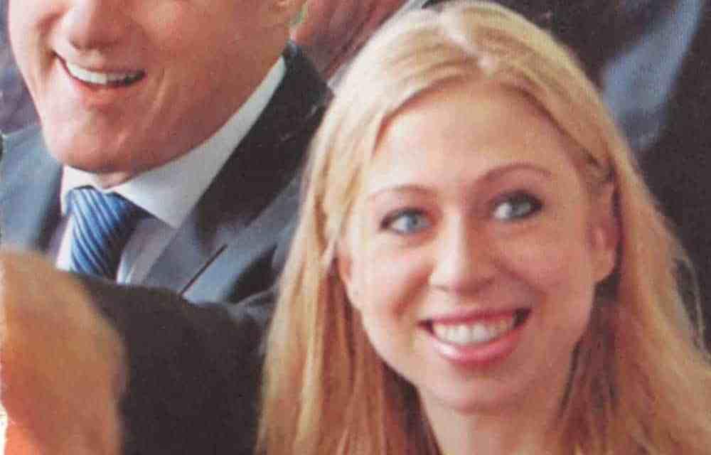 Córka Clintonów Chelsea Clinton złożyła życzenia noworoczne kościołowi szatana.