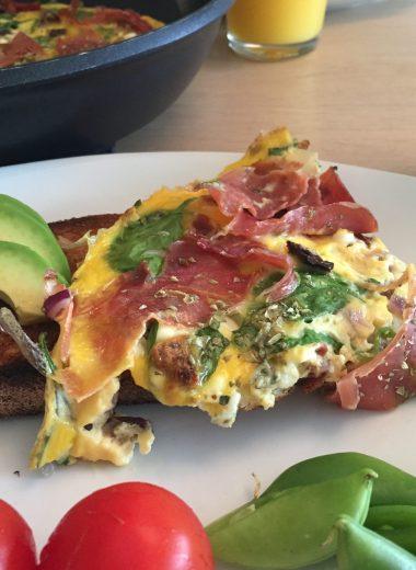 Omelett med serrano og cottage cheese