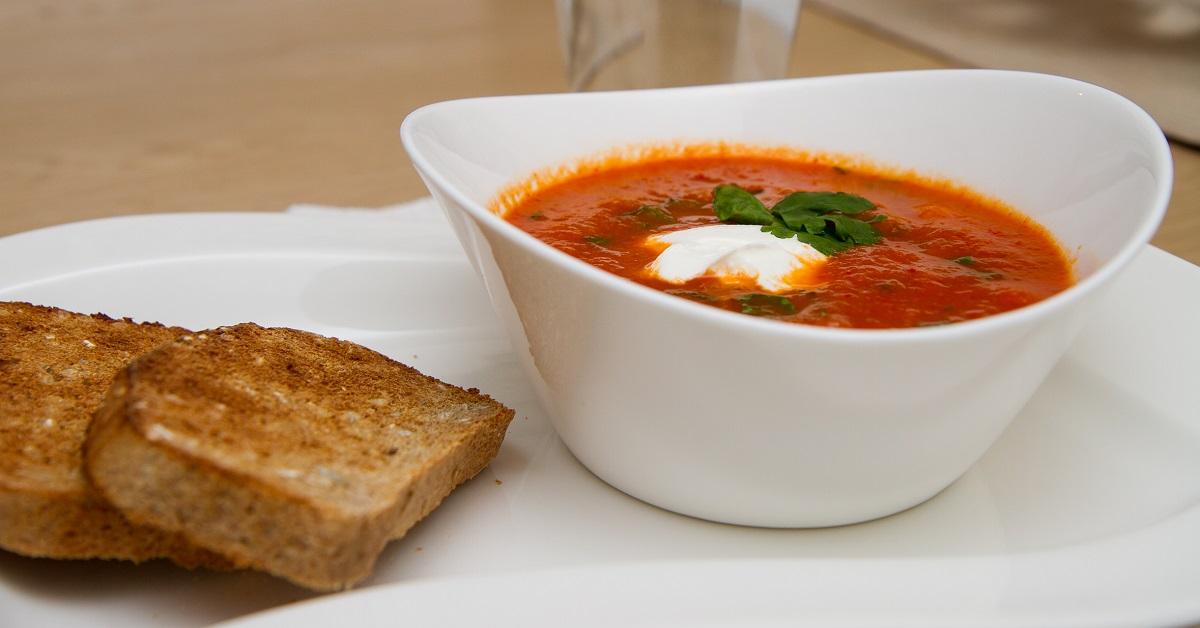 Rød linsesuppe med kikerter
