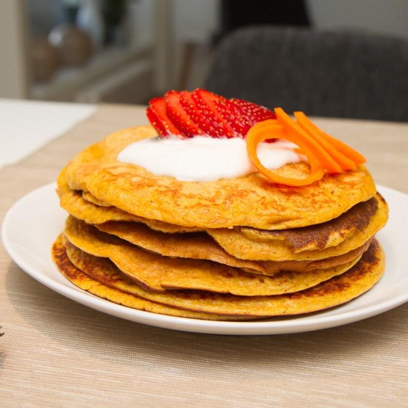 Søte pannekaker med gulrot
