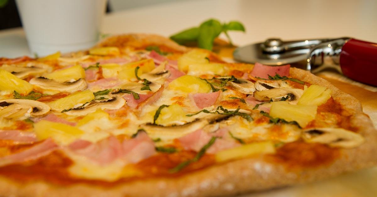 Pizza Hawaii - Pizza med skinke og ananas