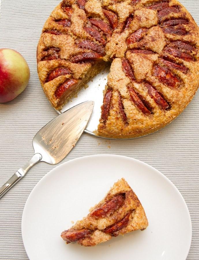 Saftig og hjemmelaget eplekake