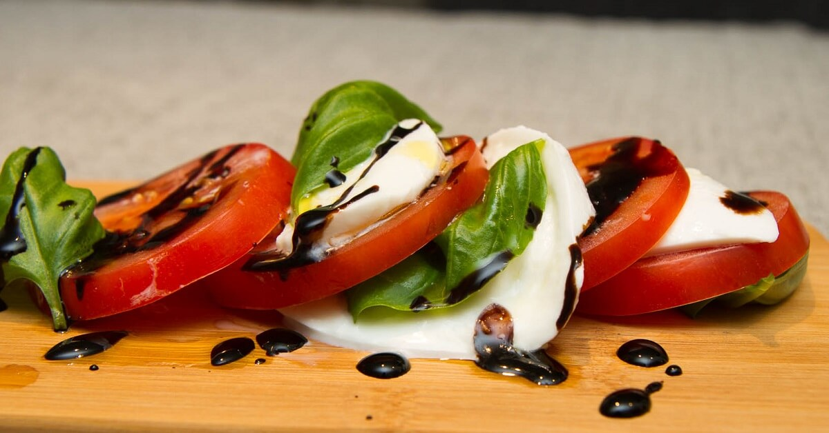 Caprese - tomat og mozarellasalat