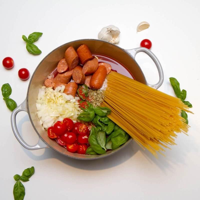 One pot pasta klar for komfyren