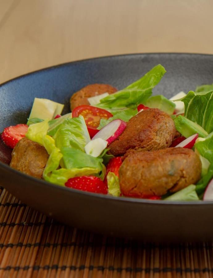 Sommerlig falafelsalat