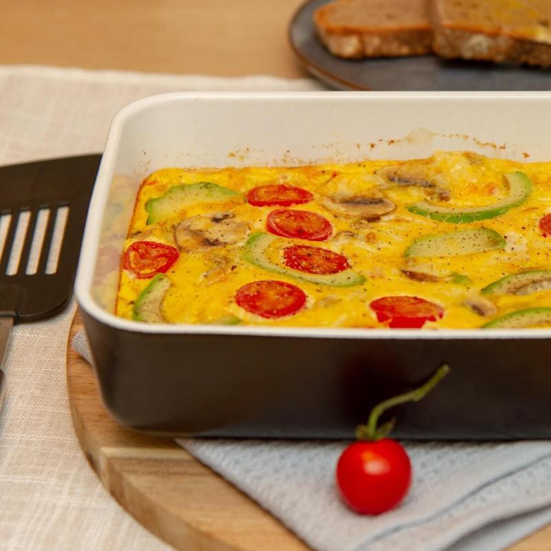 Omelett med tomat og avokado