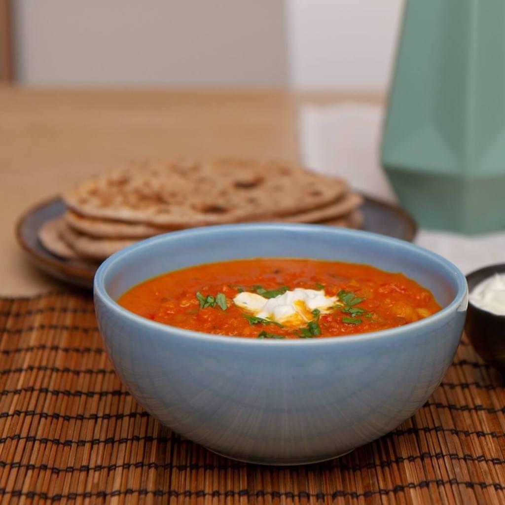 Indisk dal servert med chapati