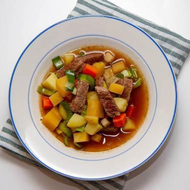 Enkel kjøttsuppe