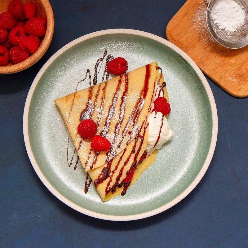 Pannekaker med is og bær