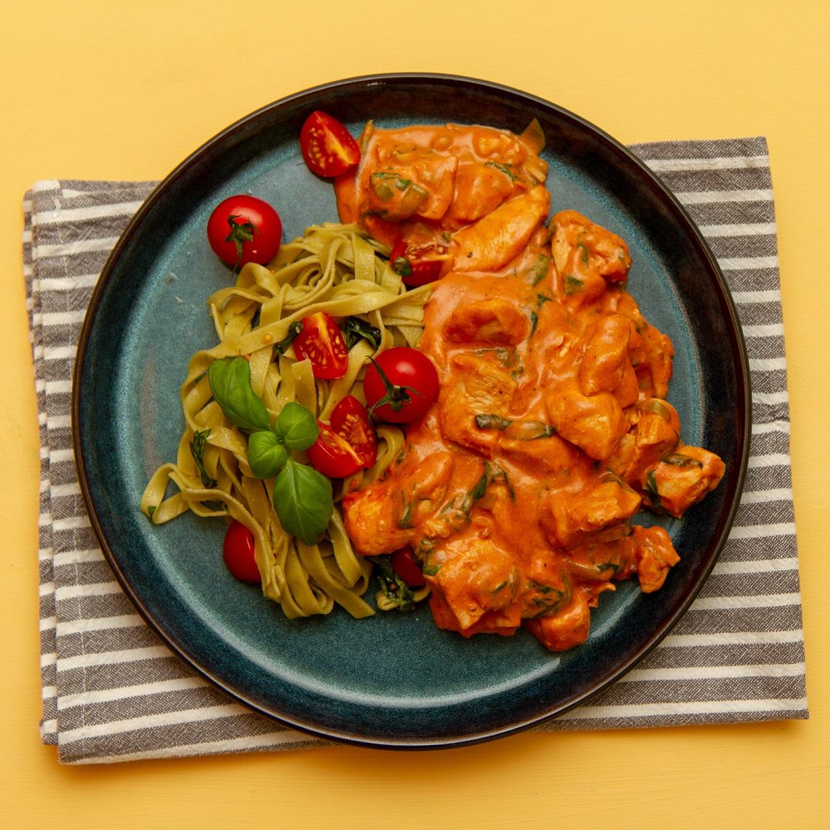 Kjapp og enkel kyllingstroganoff