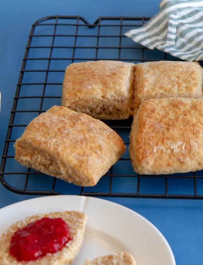 Grove scones – kjapp frokost når brødboksen er tom