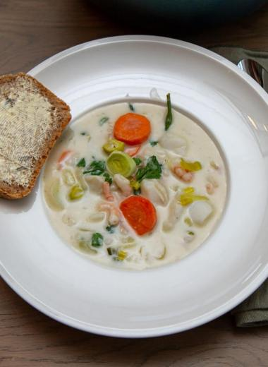Fiskesuppe med torsk og reker