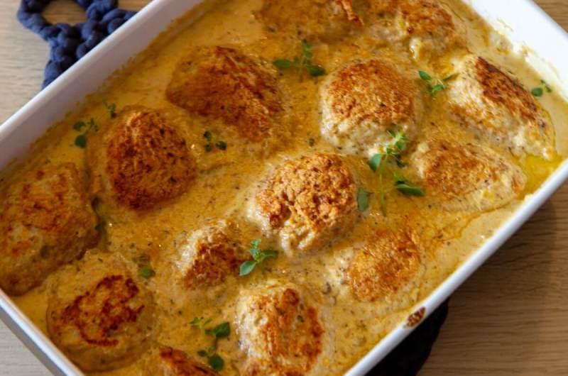 Kyllingkjøttboller i soppsaus