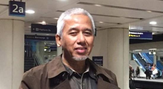 TNI 74 Tahun: Rakyat Paham Kalian Masih Menunggu. Oleh:Asyari Usman,