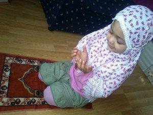 Rangkaian 3 kata Nama Bayi Perempuan Yg Bernuansa Islami