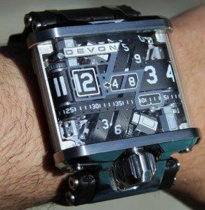 Kumpulan Model Jam Tangan Unik Fashionable11