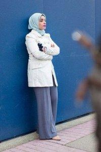 Kumpulan Gaya Jilbab Modern Untuk Bekerja8