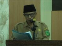 Ketua panitia pelaksanaan rakor tajaan Diskop UMKM, Guntur menyampaikan laporan