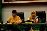 Bupati Inhil HM Wardan dan Gubernur Riau Arsyadjuliandi Rachman yang diwakili oleh Biro Pemerintahan Setdaprov Riau