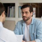 Cómo discutir con su gerente sin arriesgar su trabajo