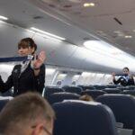 Por qué no debería intervenir si hay una pelea en un avión (y qué hacer en su lugar)