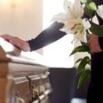 Cómo cubrir los costos funerarios relacionados con COVID de su familiar