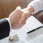 Por qué debería negociar la comisión de su agente inmobiliario en un mercado caliente
