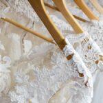 Cómo encontrar su vestido de novia perfecto, incluso cuando se siente imposible