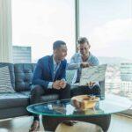 Cómo establecer metas para los empleados para ayudar a todos a crecer