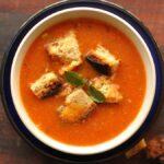 Cómo convertir una lata de pasta de tomate en sopa de tomate