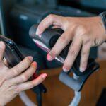 Cómo guardar su tarjeta de vacunas en su teléfono inteligente