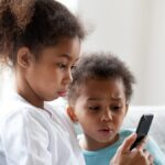 Cómo ayudar a sus hijos a encontrar su dirección en caso de emergencia